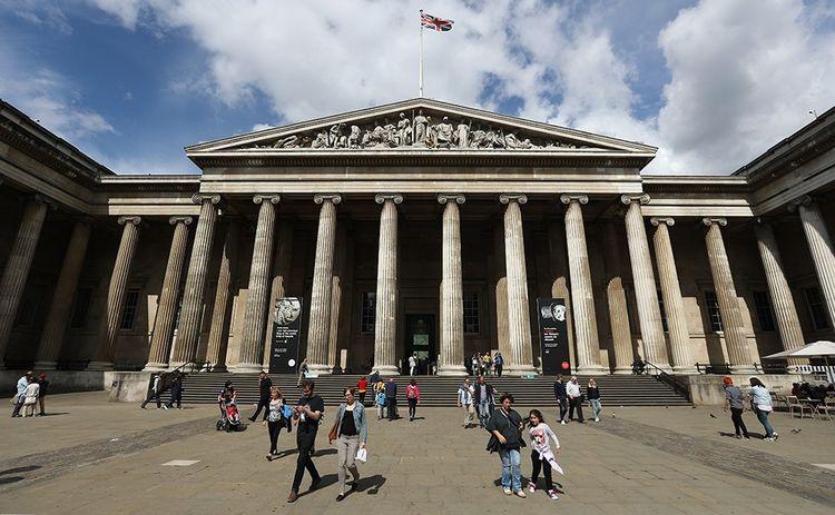 Le musée londonien vend des produits de sa boutique via Tmall et WeChat.