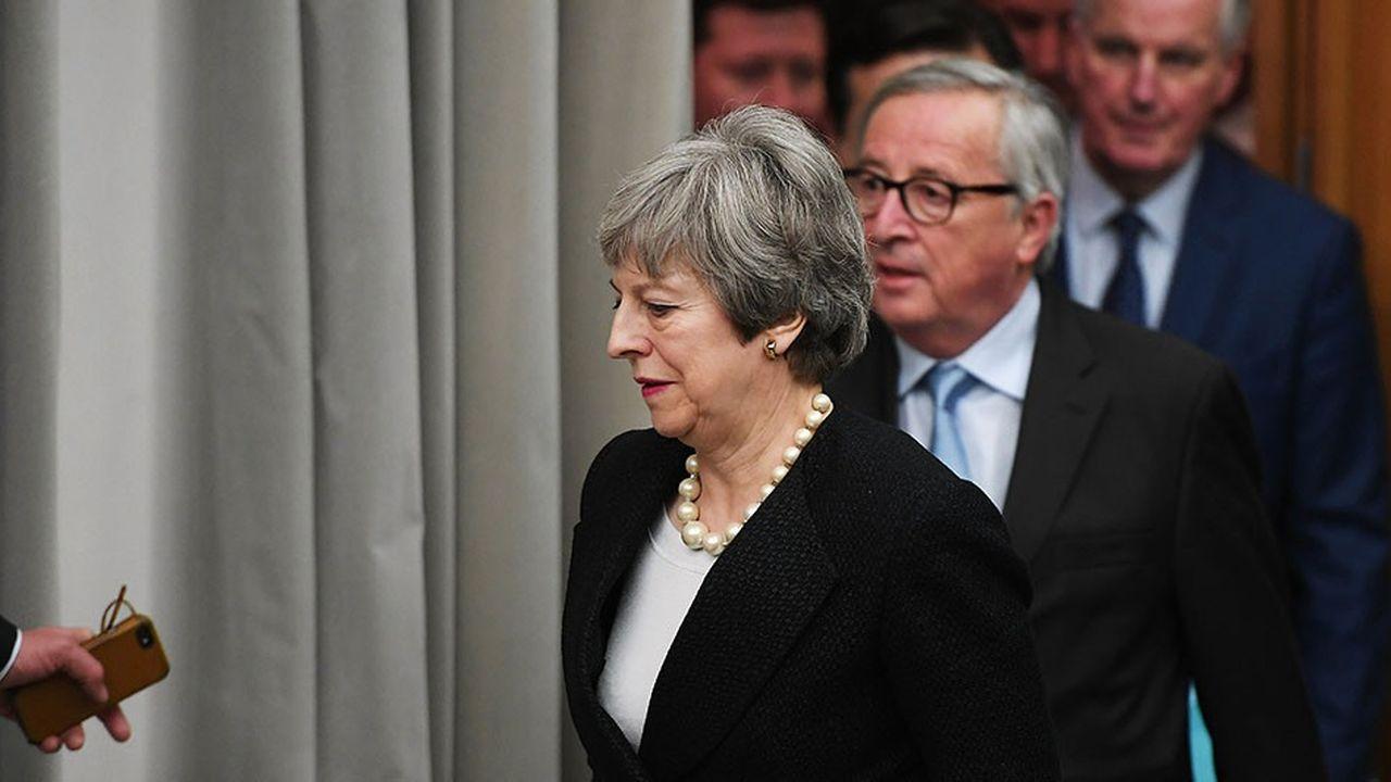 Theresa May a obtenu lundi soir à Strasbourg des améliorations «juridiquement contraignantes» à l'accord de retrait du Royaume-Uni de l'Union européenne.