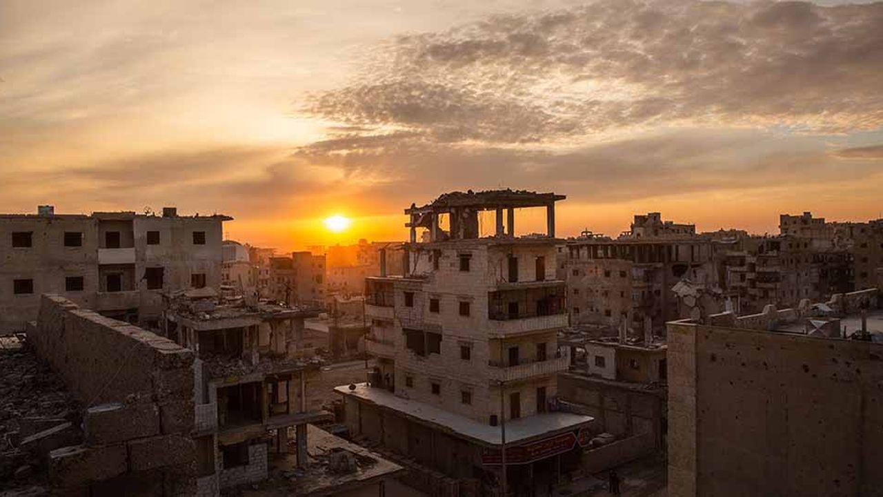 Les besoins de reconstruction en Syrie, comme ici à Raqqa, sont monumentaux.