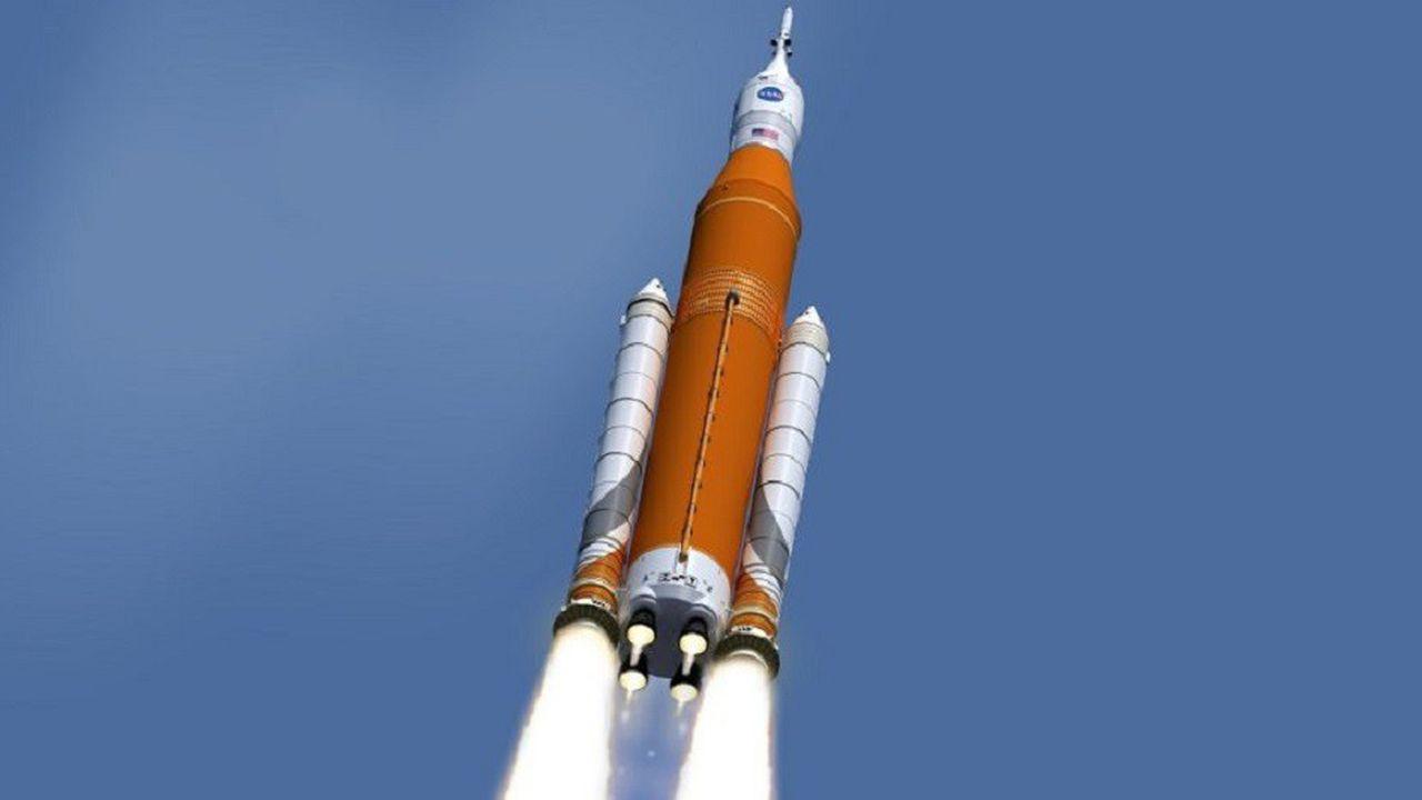 La fusée Space Launch System, qui sera haute de 98 mètres, ne sera pas prête en 2020.