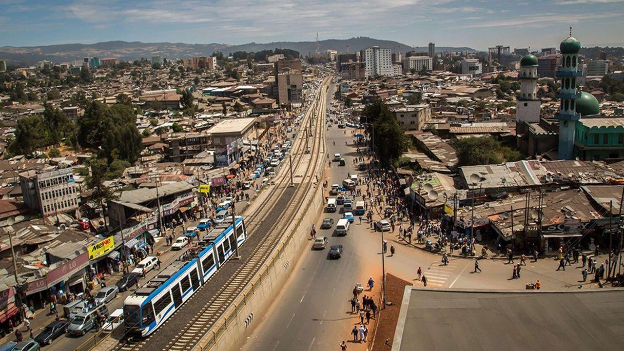 La ville d'Addis Abeba, en Ethiopie, a reçu un prix en 2016 dans la catégorie transports pour ses efforts contre le changement climatique grâce à son nouveau tramway.