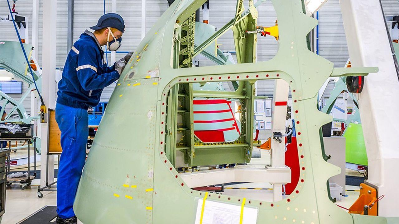 Chaine de production de pointe avant d'avion Airbus A320.