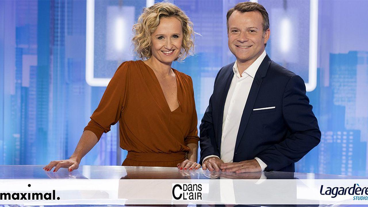 «C dans l'air», sur France5, présenté par Caroline Roux et Axel de Tarlé, une émission produite par Lagardère Studios.