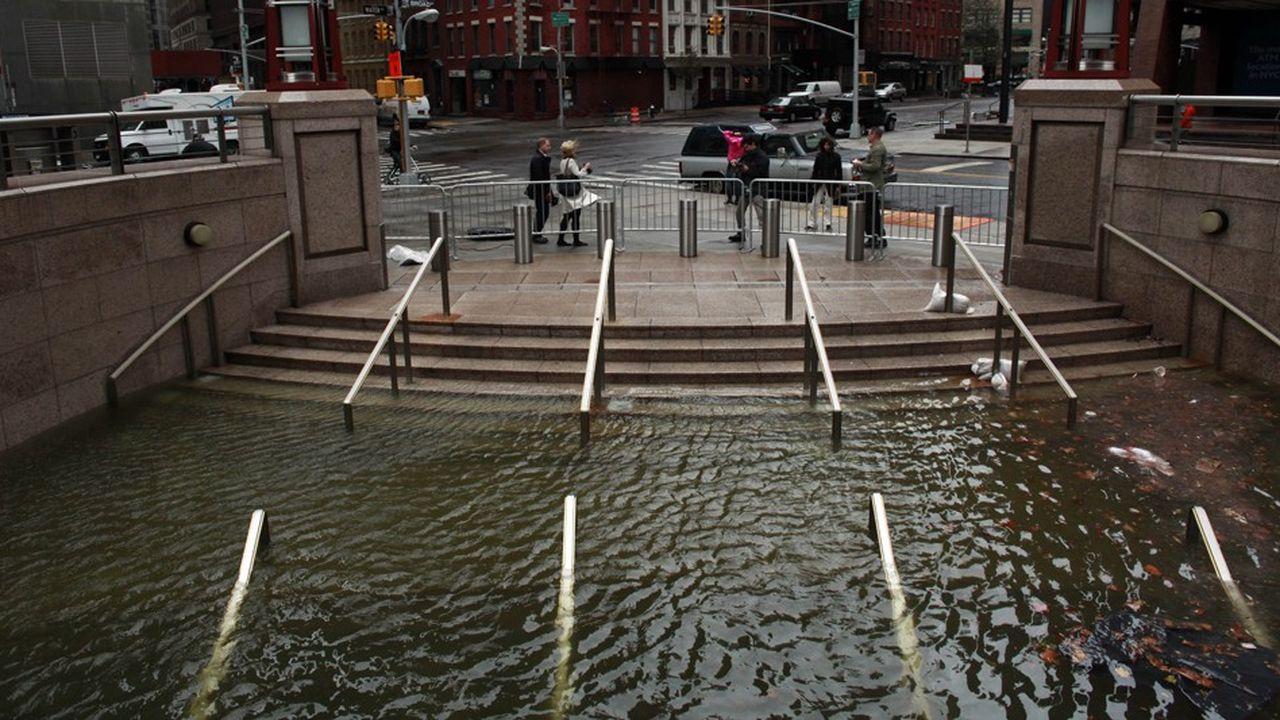 Le maire de New York a indiqué que l'enveloppe nécessaire pour protéger efficacement le sud de Manhattan est estimée à 10milliards de dollars (photo: inondations après le passage de l'ouragan Sandy en 2012)