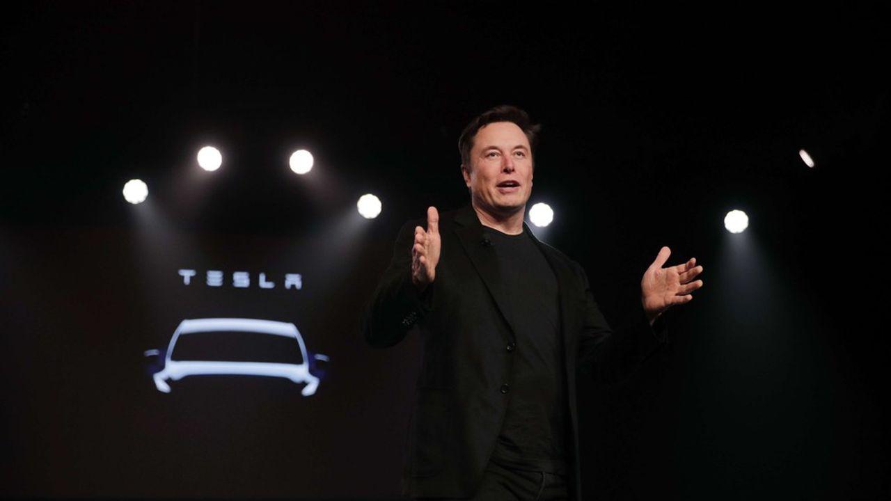 Elon Musk a présenté le Model Y, déclinaison SUV de la Model 3, lors d'un grand show jeudi soir en Californie.