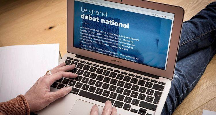 Près de 2millions de contributions ont été déposées sur la plateforme en ligne du grand débat national, selon des chiffres «quasi-définitifs».
