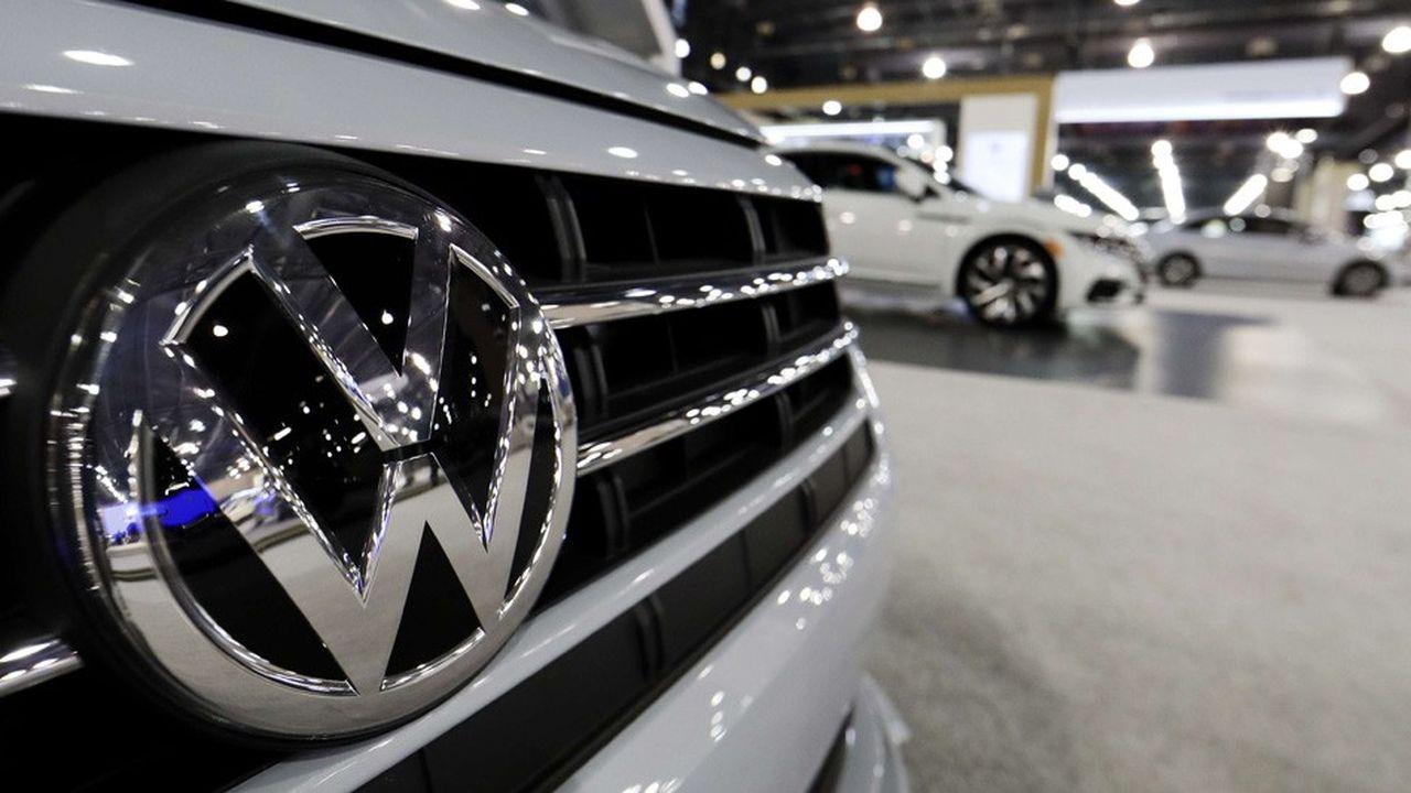 Volkswagen «a récolté des centaines de millions de dollars en émettant des titres à des taux plus intéressants pour le groupe», note la SEC,