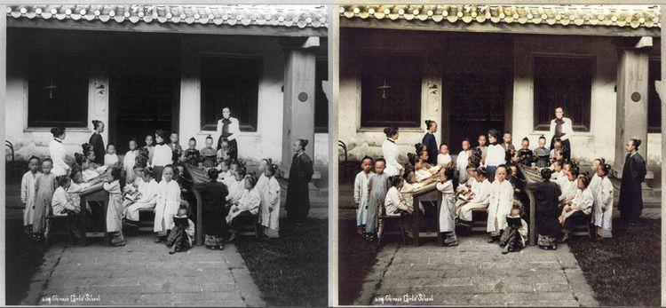 'Ecole de filles chinoise à Singapour', photo prise entre 1890 et colorisée par Colourise.sg.
