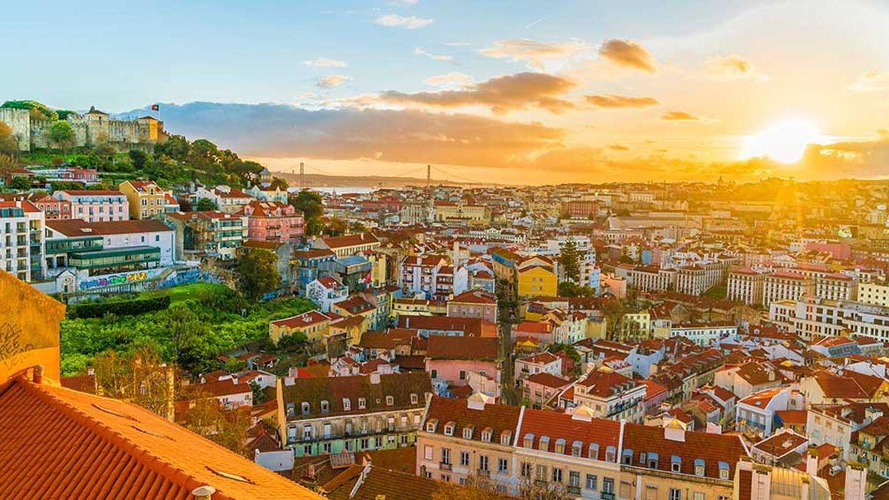 Redynamisé, le Portugal attire à nouveau les investisseurs et le boom du tourisme contribue à faire fondre le chômage.