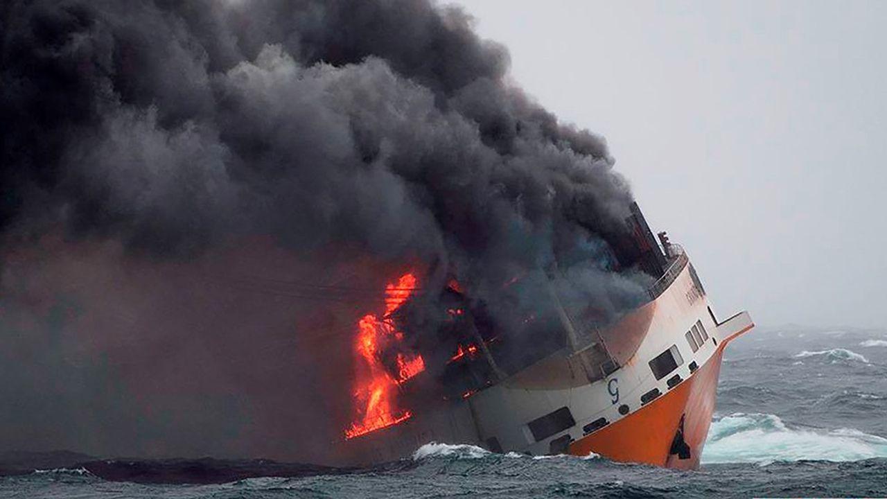 Les incendies à bord des porte-conteneurs sont très difficiles à éteindre. Les tonnes d'eau déversées sur les ponts lors de la lutte contre le feu aboutissent souvent à un déséquilibre du navire et son naufrage.