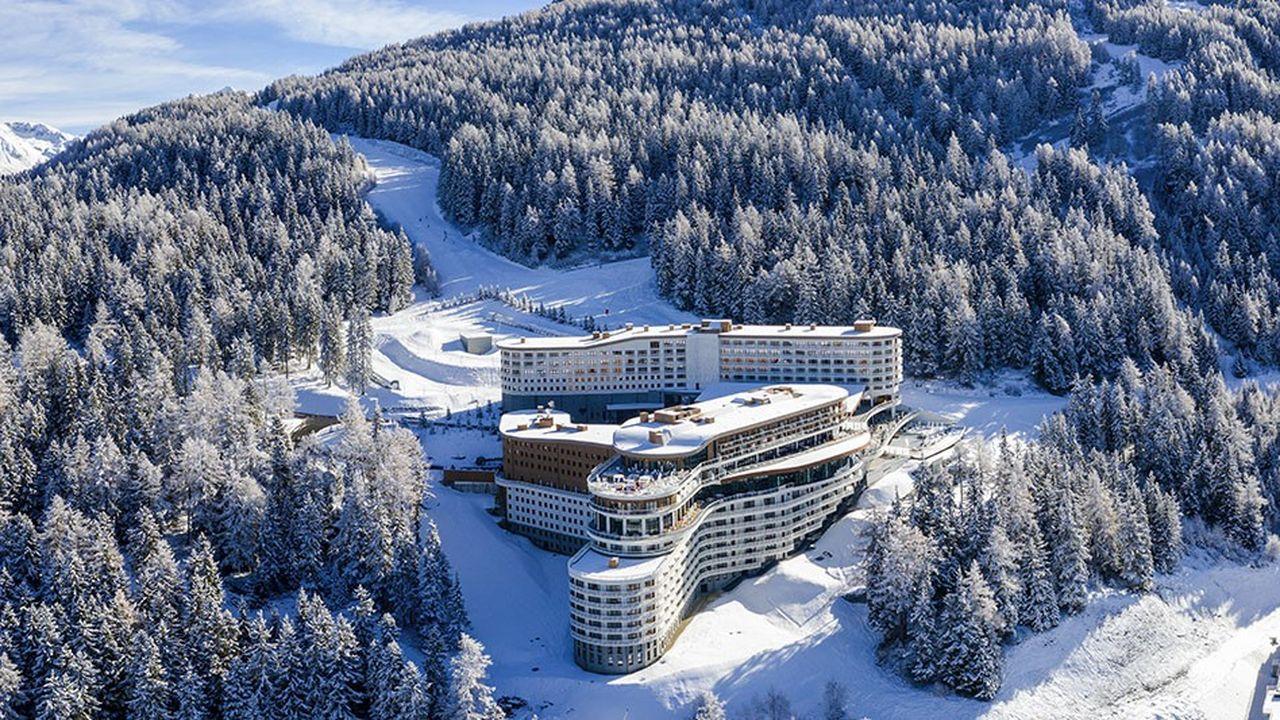 La croissance de Club Med se conjugue avec l'accélération de son développement. L'ouverture, en décembre dernier, de son nouveau village aux Arcs Panorama, témoigne notamment de sa volonté de renforcer sa présence dans les Alpes. D'une manière générale, l'opérateur s'active dans l'ensemble de ses zones d'activité, et pas qu'en Chine donc.