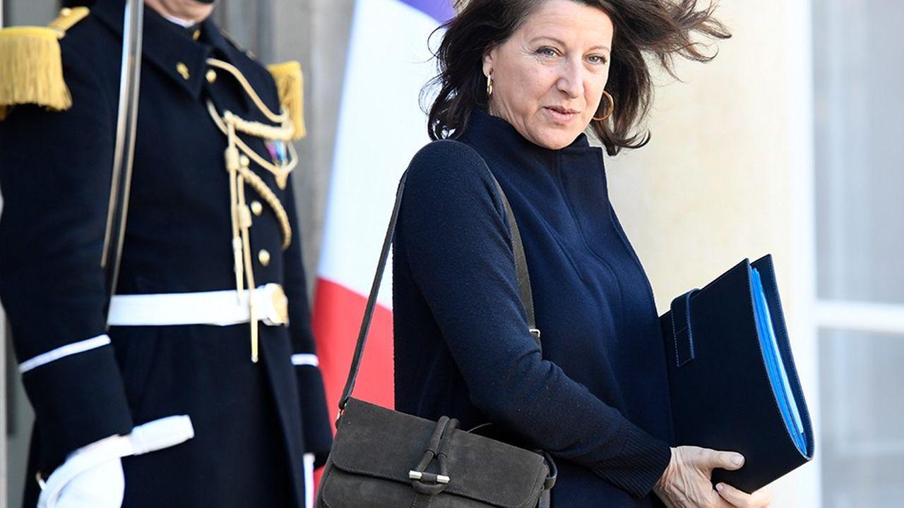 La ministre des Solidarités et de la Santé, Agnès Buzyn, assure s'être exprimée «à titre personnel» sur l'âge de la retraite.