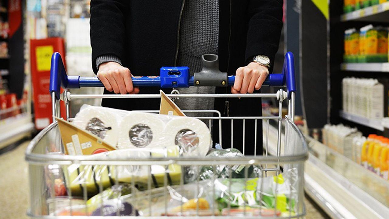 L'Insee s'attend à un rebond de la consommation de +0,5% au premier trimestre et de +0,4% au deuxième trimestre.