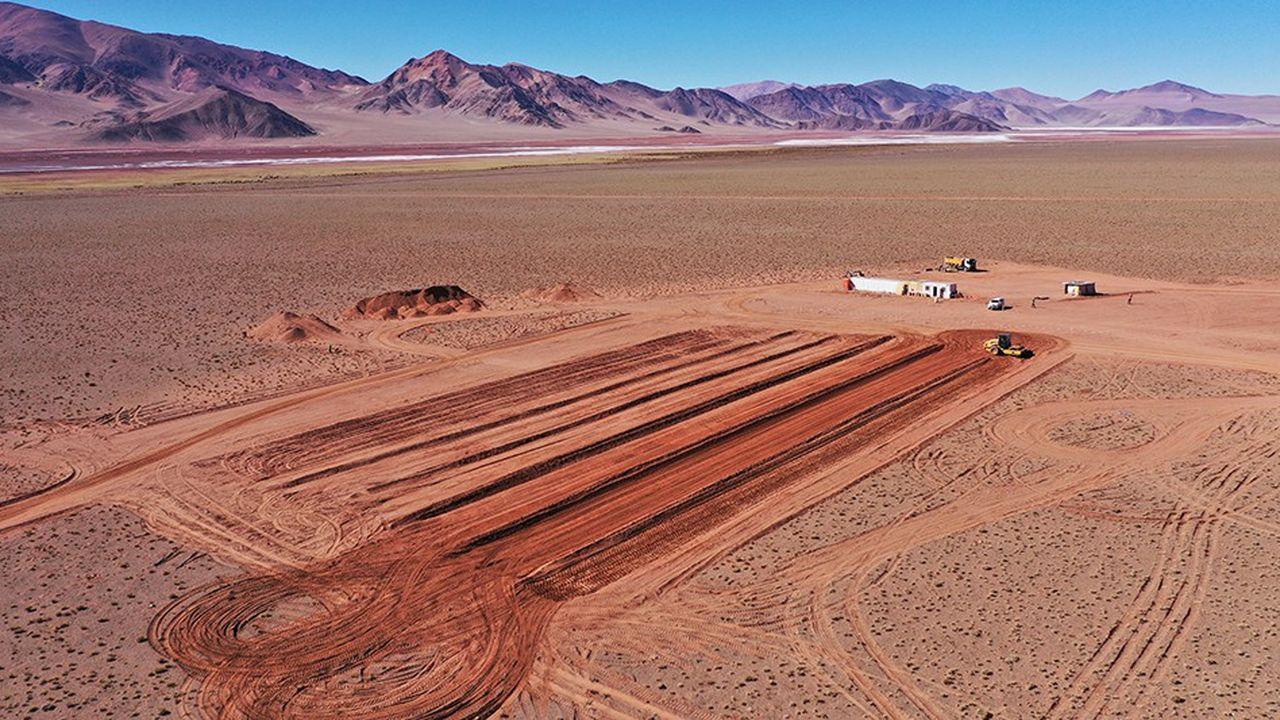 Sous la surface du salar argentin de Centenario Ratones, le gisement de lithium qu'Eramet a découvert abrite des millions de tonnes de ressources. Les travaux de construction des futures installations et d'un centre de formation ont démarré en mars2019.