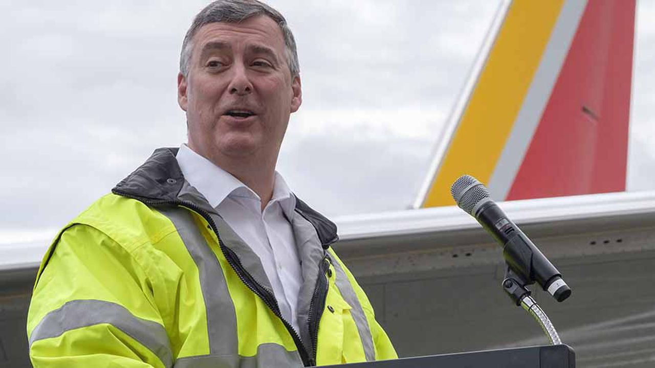 Le PDG de Boeing Commercial Airplanes, Kevin McAllister (photo), a demandé à son vice-président et ingénieur en chef John Hamilton, «de focaliser toute son attention sur les enquêtes en cours sur l'accident»