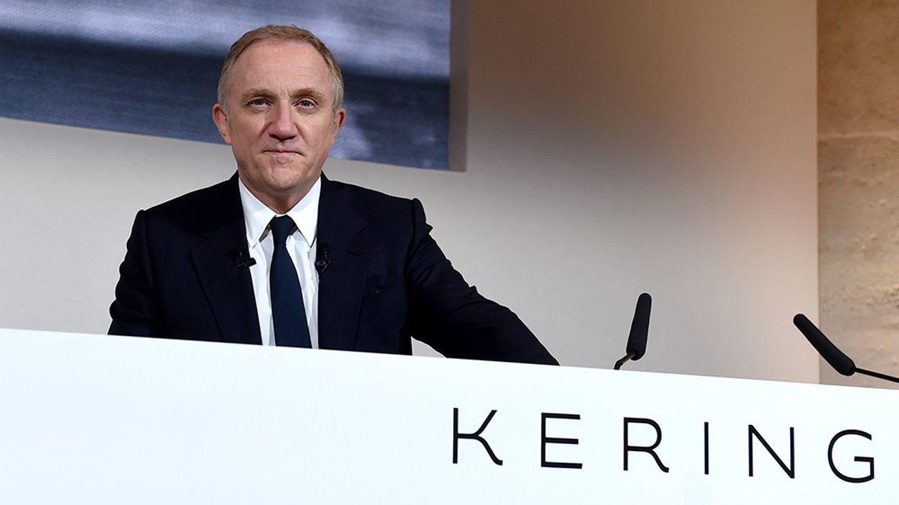 Kering, dirigé parFrancois-Henri Pinault, a annoncé une forte hausse de ses dividendes en 2019, après l'annonce de bons résultats 2018. (Photo by ERIC PIERMONT / AFP)