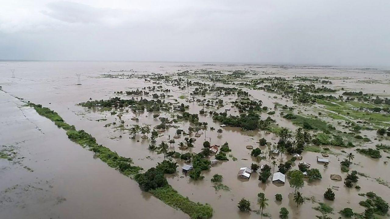 La situation pourrait s'aggraver car des pluies abondantes sont attendues dans les prochains jours, a prévenu le Programme alimentaire mondial, qui a commencé à acheminer de l'aide pour plus d'un demi-million de personnes.