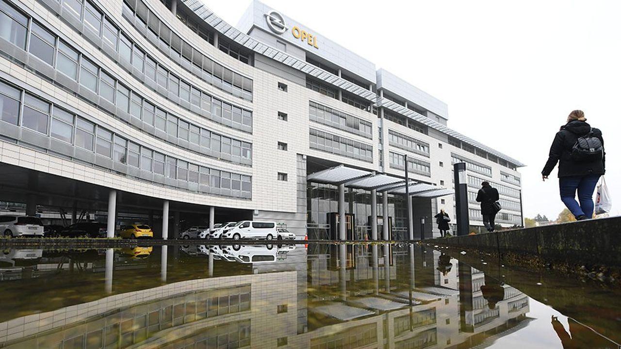 Opel souhaite transférer 2.000 des 7.000 ingénieurs de son centre de R & D chez le Français Segula au sein d'un grand campus d'ingénierie à Rüsselsheim.