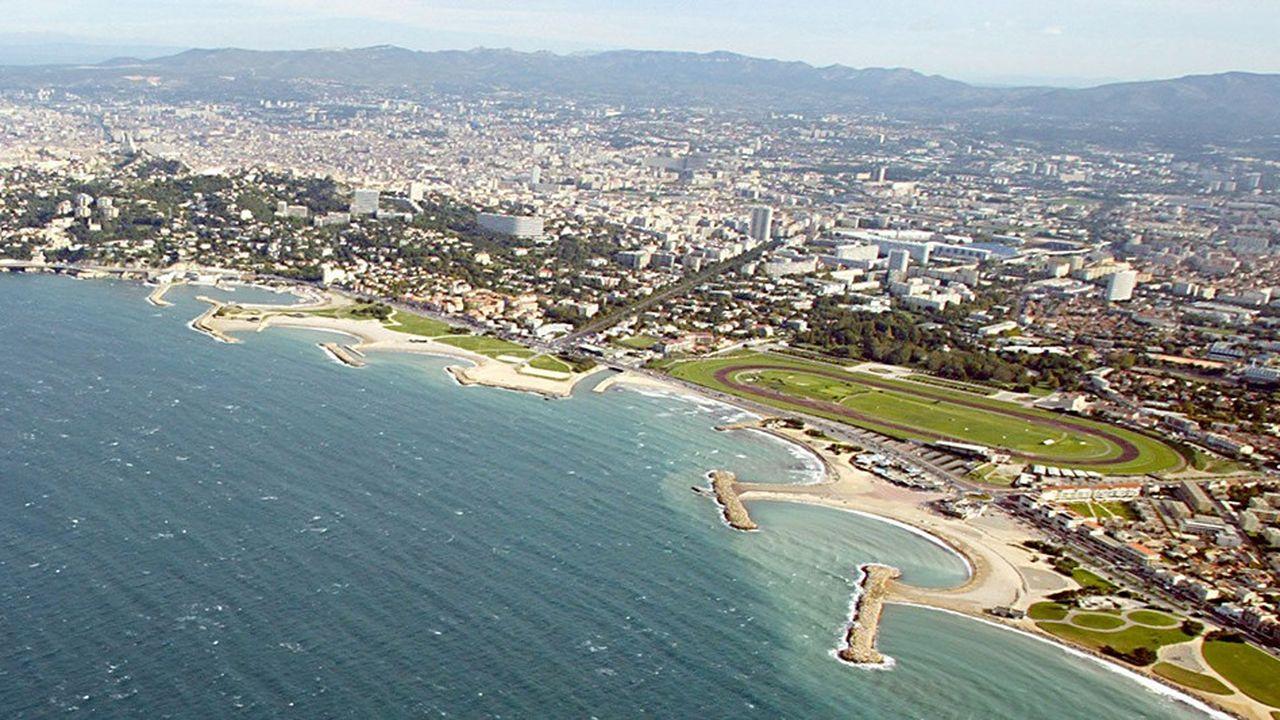Vue aérienne de l'hippodrome Borely. (Photo by BORIS HORVAT / AFP)