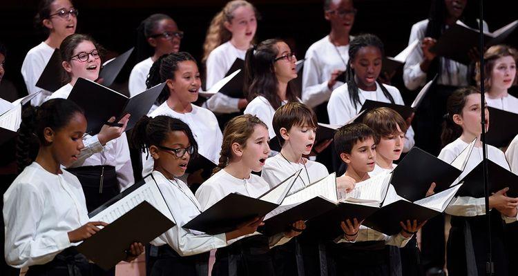 La maison ronde propose 200 concerts par an, avec l'ensemble de ses formations musicales, orchestres, choeurs.