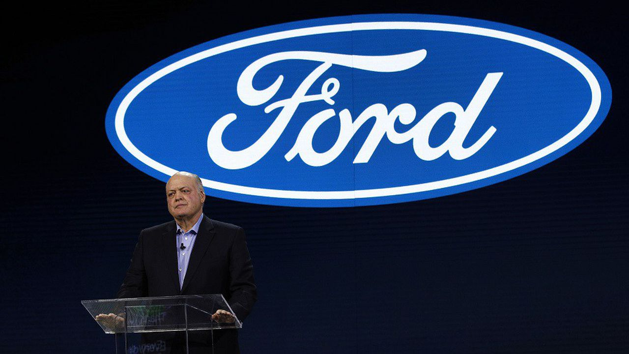 James Hackett, le PDG de Ford, compte sur sa recrue pour lancer le constructeur dans les domaines de l'électrique et de l'autopartage