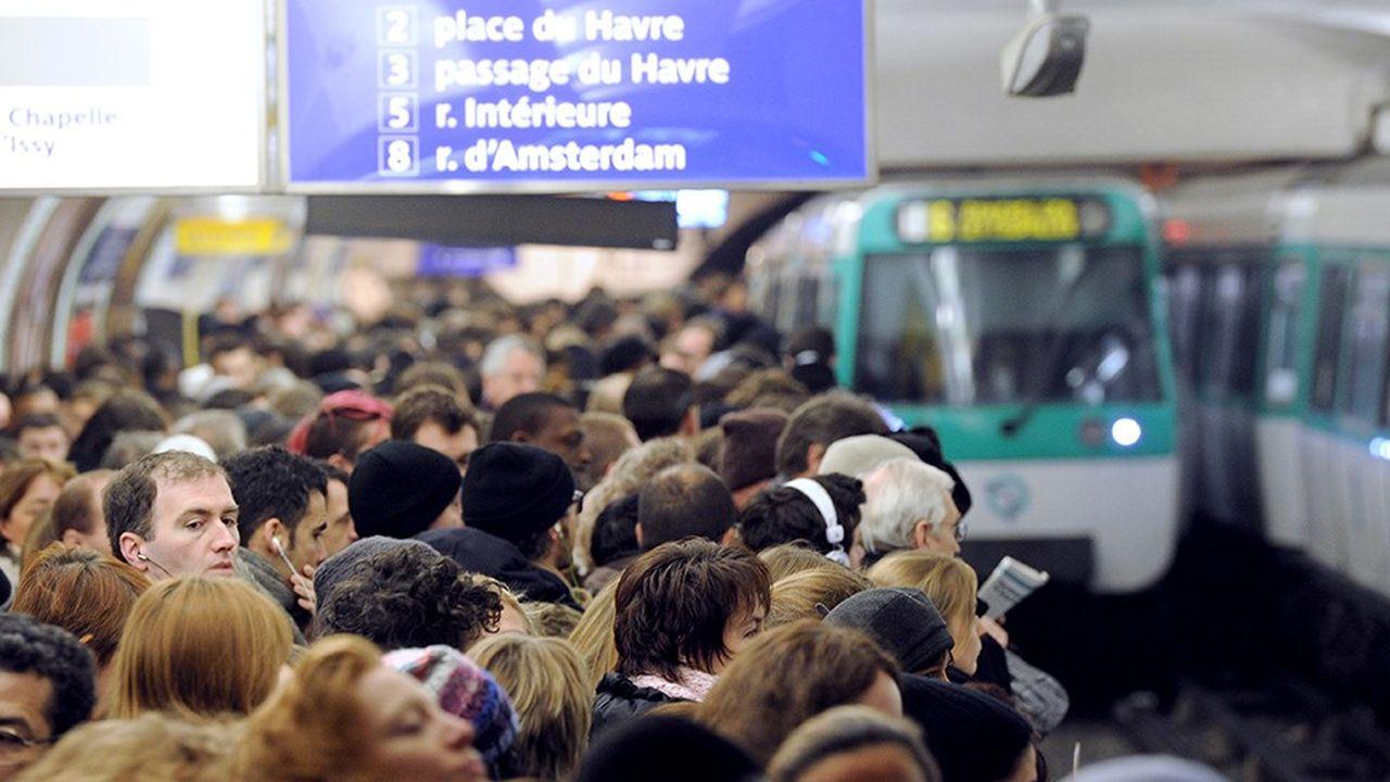 Difficile d'imaginer que le réseau actuel puisse accueillir beaucoup plus de passagers qu'aujourd'hui, ici sur la ligne 13 du métro.