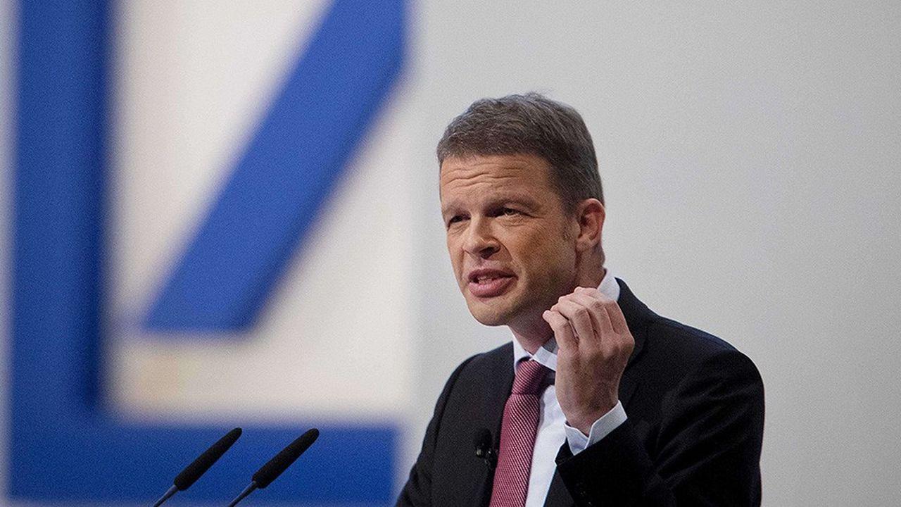 A la tête de Deutsche Bank depuis le printemps 2018, Christian Sewing a touché 7 millions d'euros en 2018.