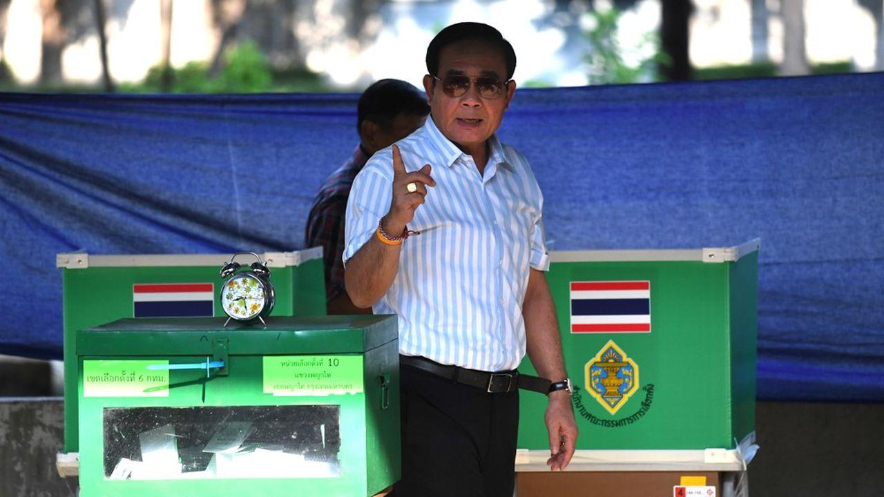 L'ancien leader de la junte qui s'est propulsé Premier ministre, Prayuth Chan-ocha, devrait se maintenir à la tête de l'exécutif pour cinq ans supplémentaires