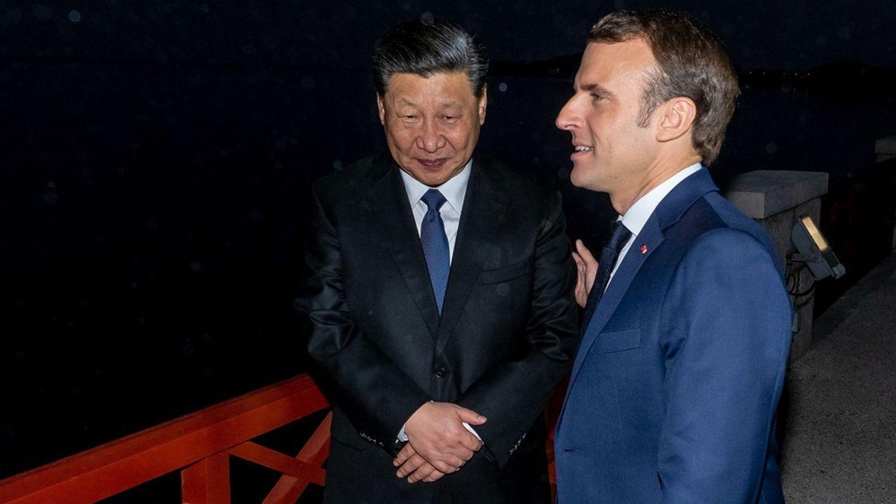 Emmanuel Macron et le président chinois Xi Jinping, dimanche 24mars, à Beaulieu-sur-Mer (Alpes-Maritimes), près de Nice.