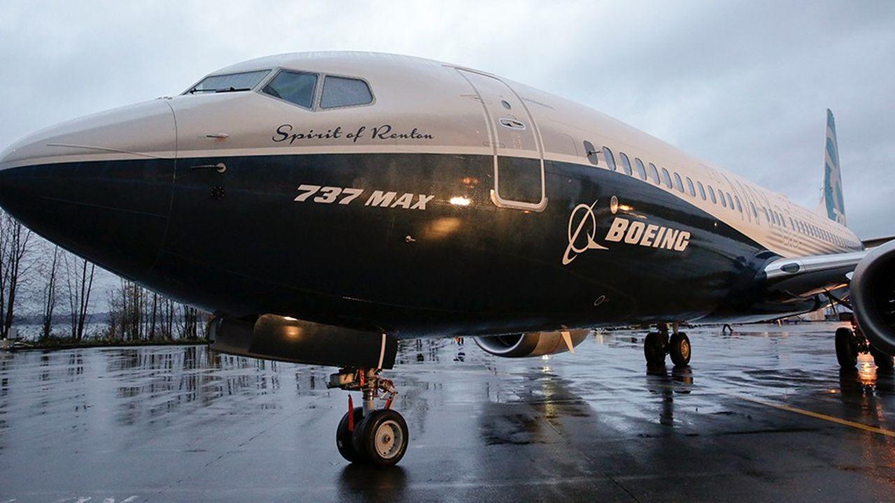 Les Boeing 737 MAX sont sortis d'usine en 2015 et ont obtenu les certifications des autorités américaines en 2017.
