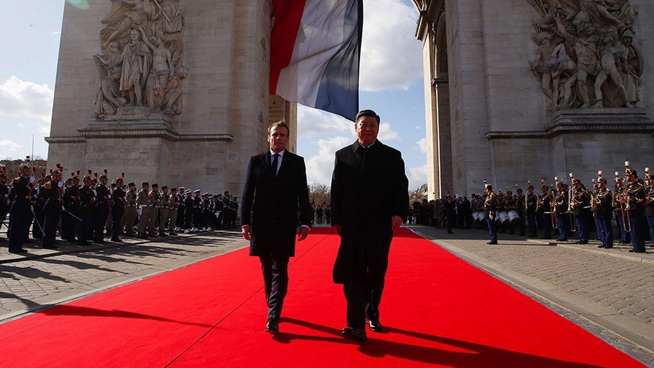 L'accueil officiel du président chinois à Paris a eu lieu à l'Arc de Triomphe.