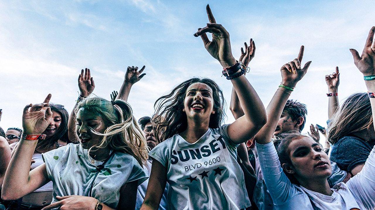 Avec le pass Culture, les jeunes de 18 ans, de tous horizons, bénéficieron,t à terme, d'un crédit de 500 euros à dépenser en un an sur des offres culturelles. Festival-goers. Festival Solidays 2018.