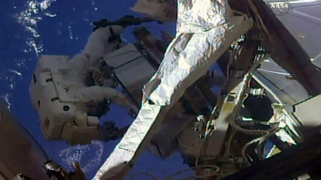Les deux astronautes américaines Anne McClain et Christina Koch devaient sortir ensemble de l'ISS le 29mars