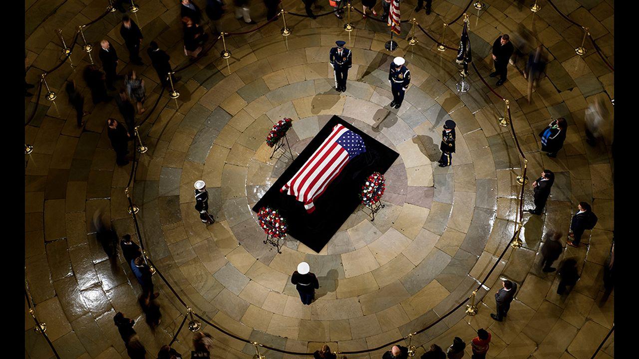 18b036b0_Bush-funerailles-AFP.jpg