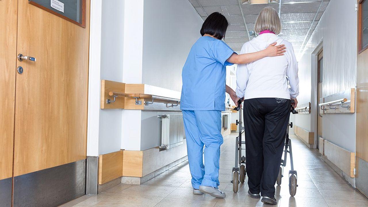 Comment nos voisins européens gèrent la dépendance des personnes âgées