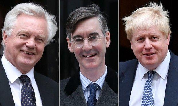 Trois des plus ardents adversaires « Tories » de Theresa May : David Davis, Jacob Rees-Mogg et Boris Johnson
