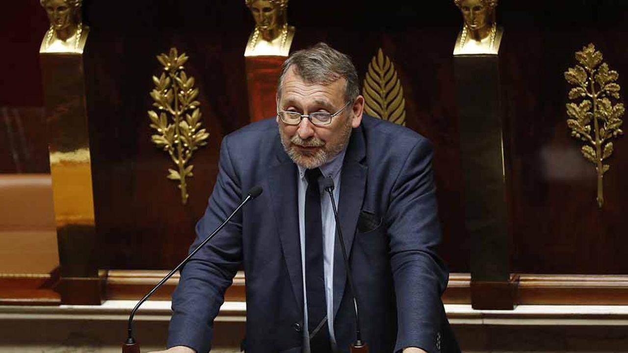 Face à la demande des acteurs du numérique de graver dans le marbre le caractère temporaire de la taxe Gafa, Joël Giraud demande au gouvernement de fournir un rapport chaque année sur l'évolution des négociations au niveau international.