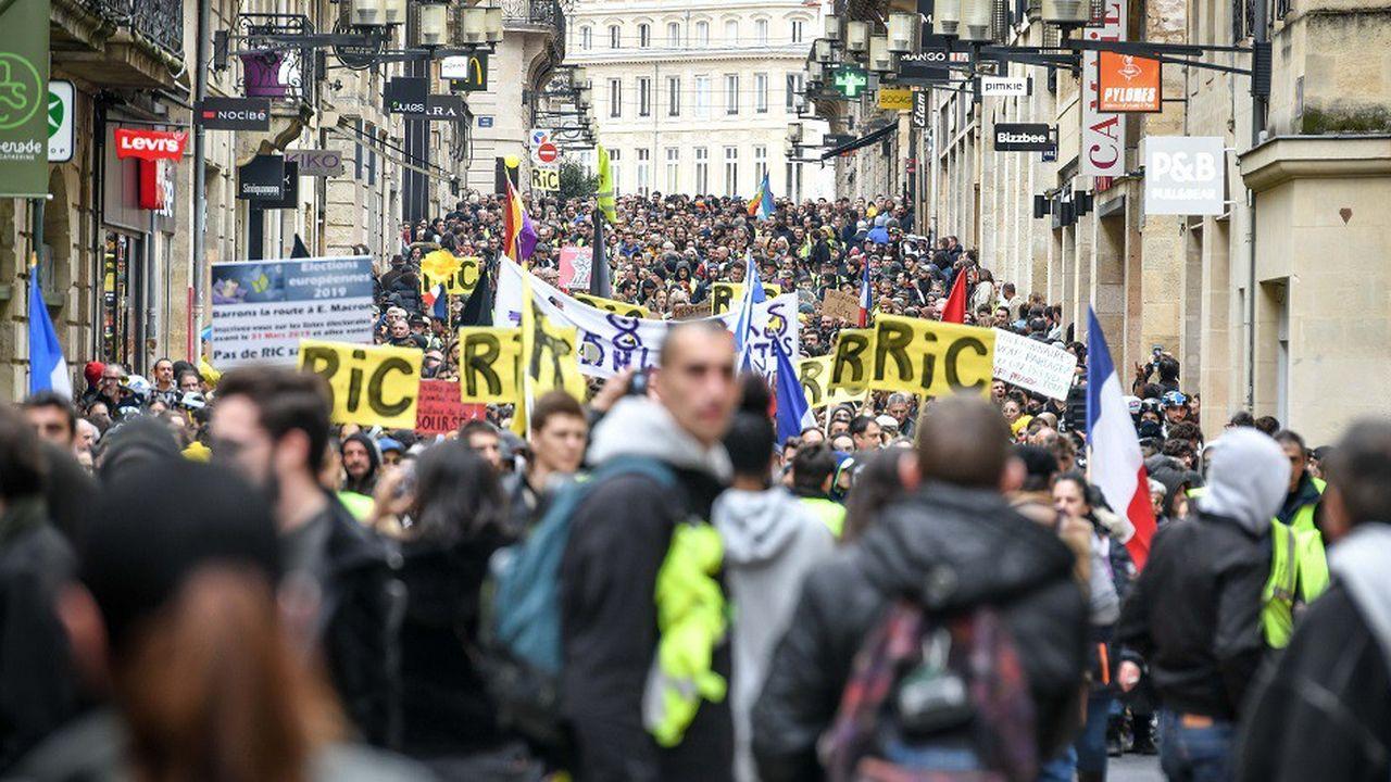 L'affluence est toujours importante lors des manifestations de «gilets jaunes» organisées à Bordeaux, comme ici lors de l'acteXVII.