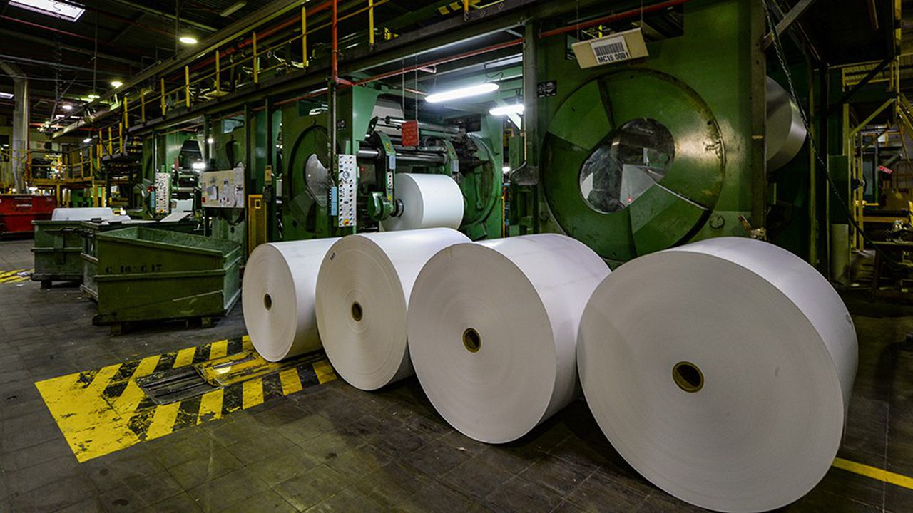 Les syndicats de la principale papeterie d'Arjowiggins en France, à Bessé-sur-Braye (Sarthe) pensent «bloquer l'usine pour préserver les machines, l'outil de travail et le stock»