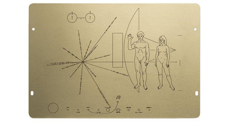 La plaque de la sonde Pioneer, voguant dans l'espace depuis quarante-cinq ans.