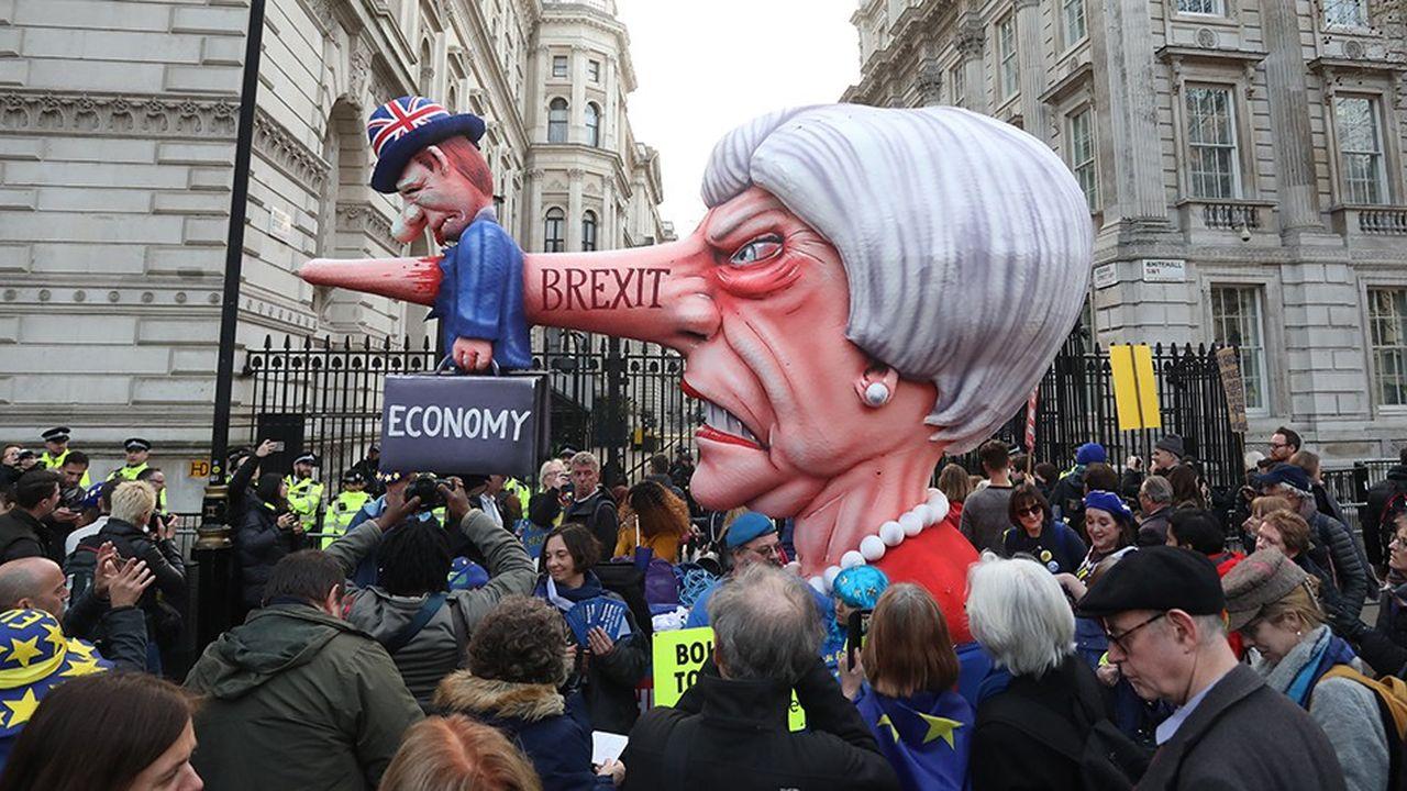 Mobilisation spectaculaire derrière le drapeau européen, le 23 mars à Londres.