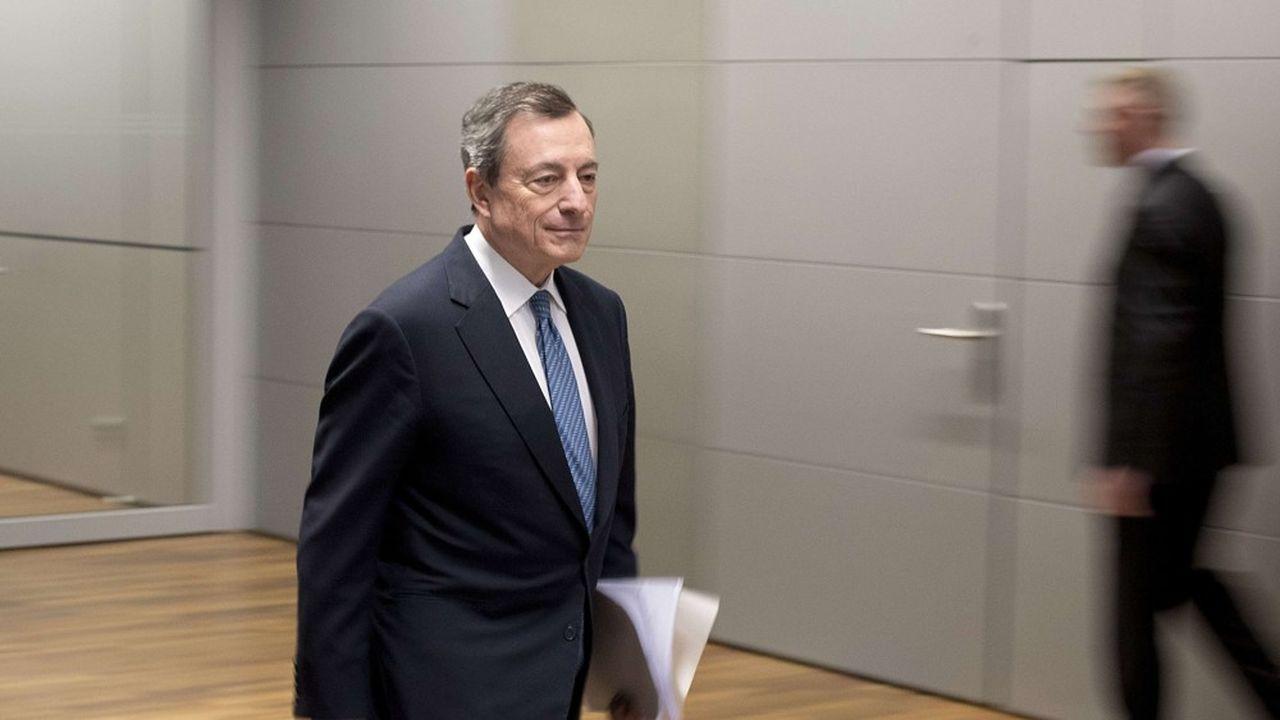 La BCE envisage de moduler sa politique de taux de dépôts négatifs.
