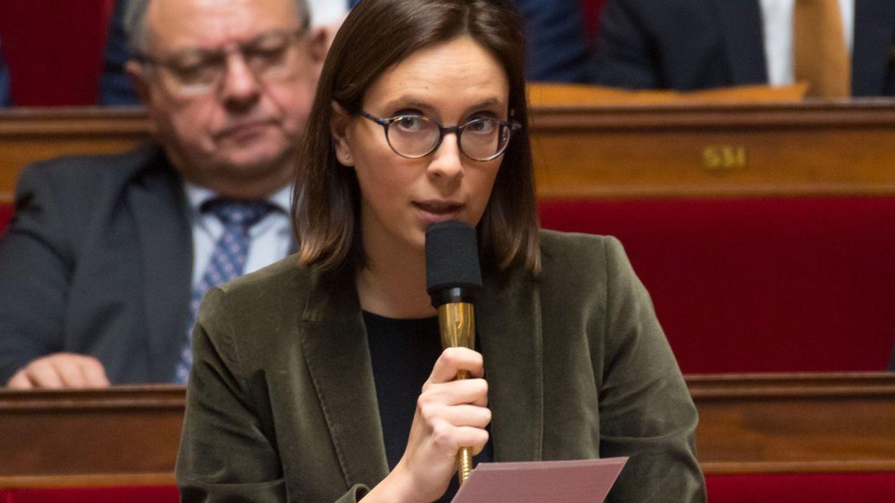 Amélie de Montchalin affiche un CV allant des grandes écoles à la banque et l'assurance: HEC, Harvard, BNP Paribas, Axa…