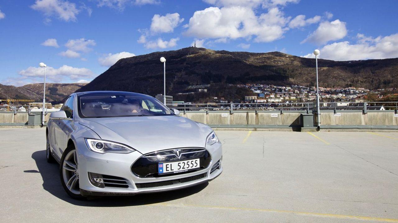 Avec 5.315 exemplaires de Model 3 écoulés le mois dernier, Tesla truste le classement norvégien des meilleures ventes, devant Volkswagen et sa Golf.