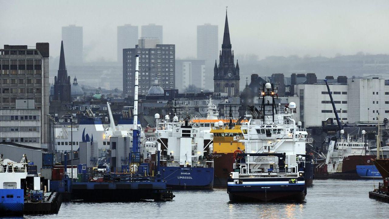 En repoussant les contrôles douaniers aux frontières extérieures de l'Union, les produits britanniques pourraient circuler librement dans le marché unique.
