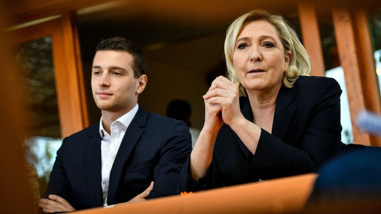 Marine Le Pen et Jordan Bardella, tête de liste du Rassemblement nationalaux élections européennes.
