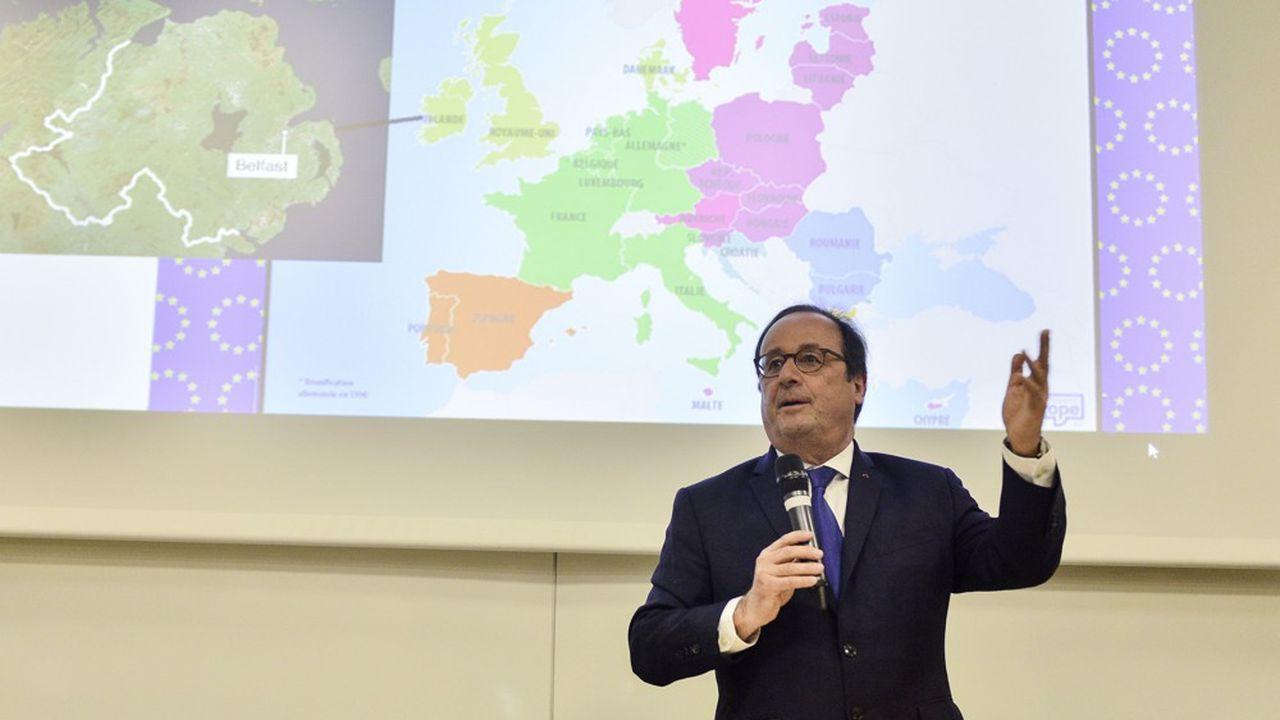 François Hollande s'exprimant devant des lycéens de Bretagne, la semaine dernière.