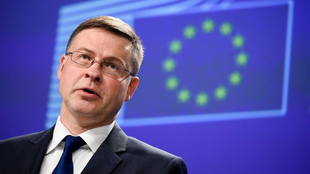 «Il s'agit d'une étape importante vers notre objectif de disposer non seulement d'un corpus réglementaire unique, mais aussi d'une approche cohérente de la surveillance dans l'ensemble de l'UE», se félicite Valdis Dombrovski, vice-président de la Commission européenne. (Photo by JOHN THYS / AFP)