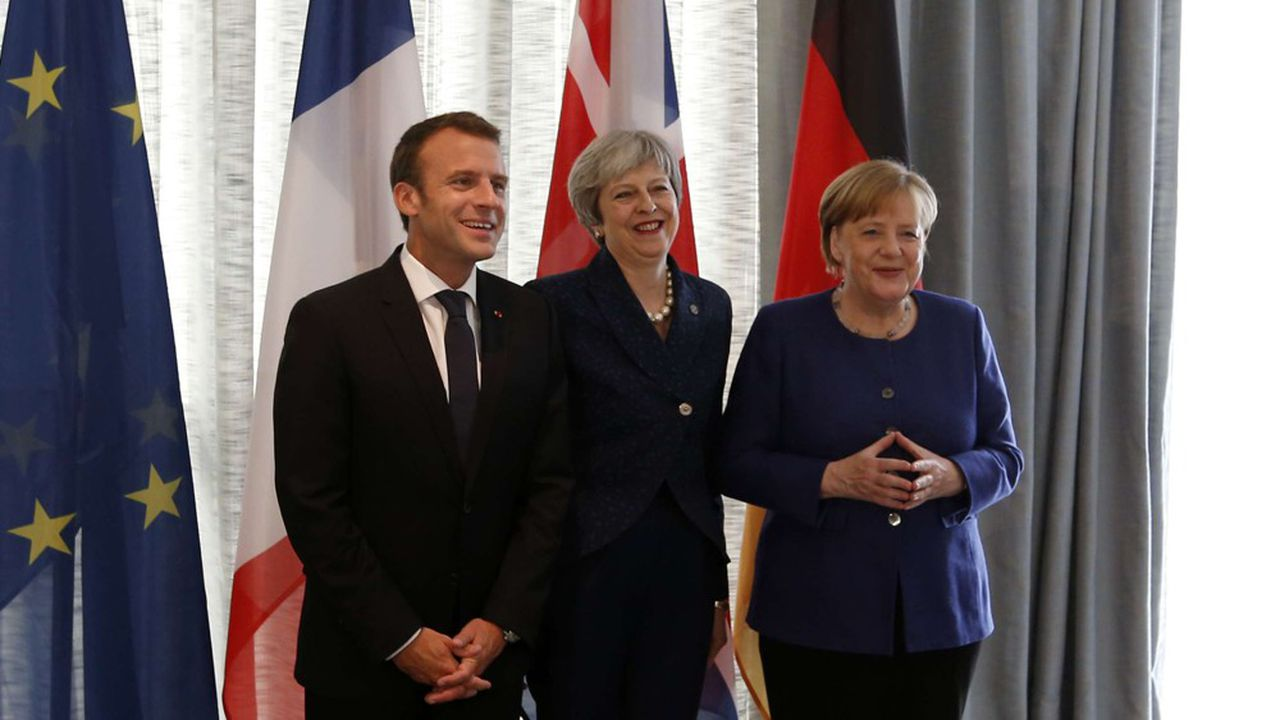 Emmanuel Macron, Theresa May et Angela Merkel, à Sofia, en Bulgarie, en mai 2018.