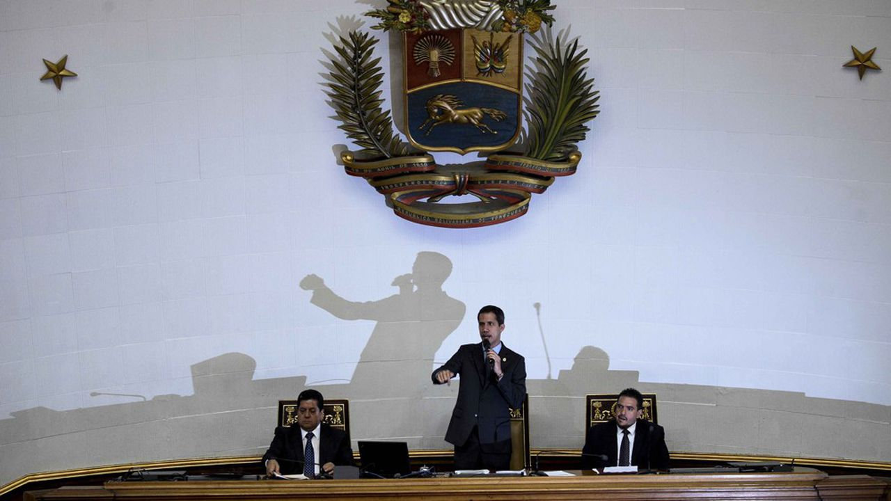 « Le peuple est déterminé et rien ne nous arrêtera », a affirmé Juan Guaido, lors d'une allocution devant ses partisans et des journalistes.